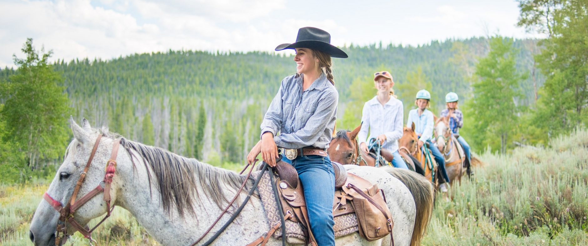 guided trail ride in Stanley Idaho, family friendly trail ride
